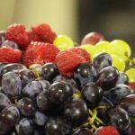 Witlofsalade met druiven en honing mosterd dressing